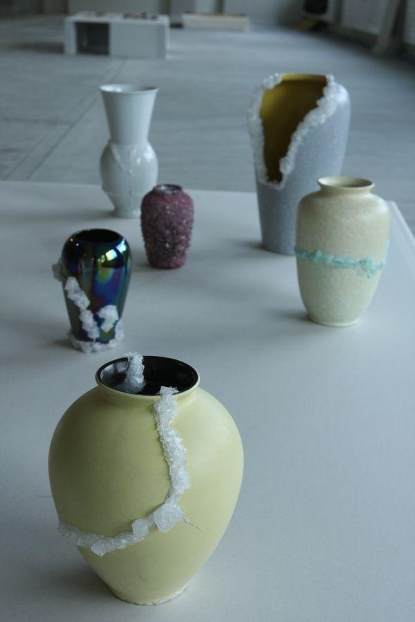 Depot-Basel-Craft-Drawing.-Lukas-Wegwerth-Crystal-Vases-02.jpg (600×900)