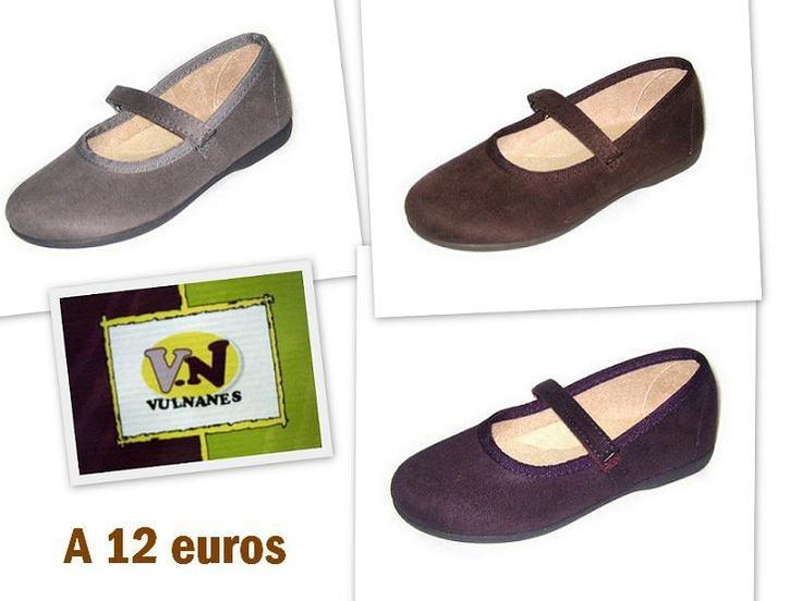 En www.calzaditos.com estamos de REBAJAS.  Tienes más de 400 modelos a elegir de las tallas 15 a 41, como por ejemplo estas merceditas de serratex de Vulnanes en diferentes colores a sólo 12 €. Es un zapato de niña cómodo y flexible, con suela de goma antideslizante del mismo color y velcro.  Puedes buscarlas en nuestra tienda online o contactar vía FB: www.facebook.com/calzaditosonline o TW: www.twitter.com/calzaditos  Aprovechaté!!!