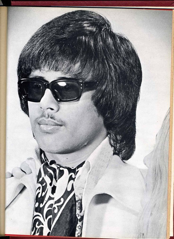 70s mens hairstyle and sunglasses mamma mia singalong