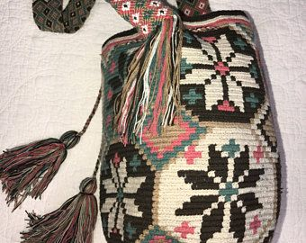 Wayuu bag Exclusive design and colors / backpack Wayuu design and exclusive colours