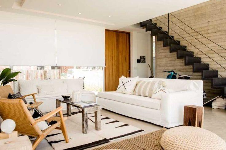 City Bell. Los materiales y las formas típicas de la arquitectura moderna son las bases que Felipe González Arzac usa para crear esta casa a todas luces vanguardista, en forma y función.