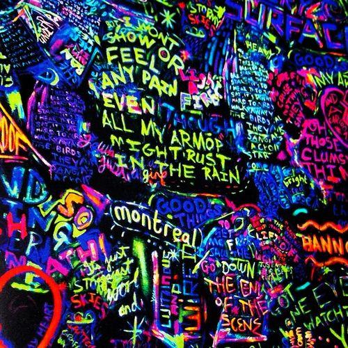 Coldplay glow in the dark lyric graffiti ;) awesome