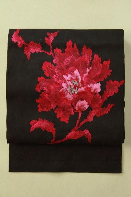 Black nagoya obi (hassun), mazenda pink abstract flower pattern / 黒地 マゼンタピンクの印象的花のお太鼓柄 八寸名古屋帯 #Kimono #Japan http://global.rakuten.com/en/store/aiyama/