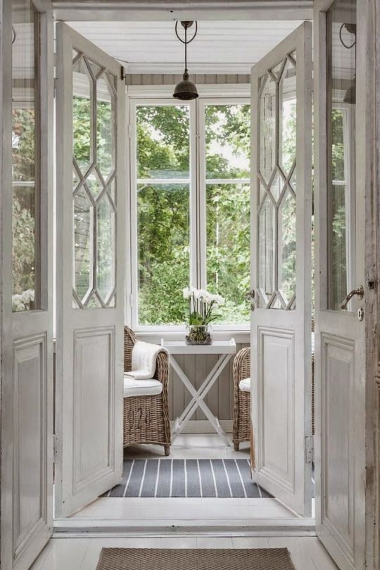 Inspiring & Dreamy ... Love this nook with cane armchairs