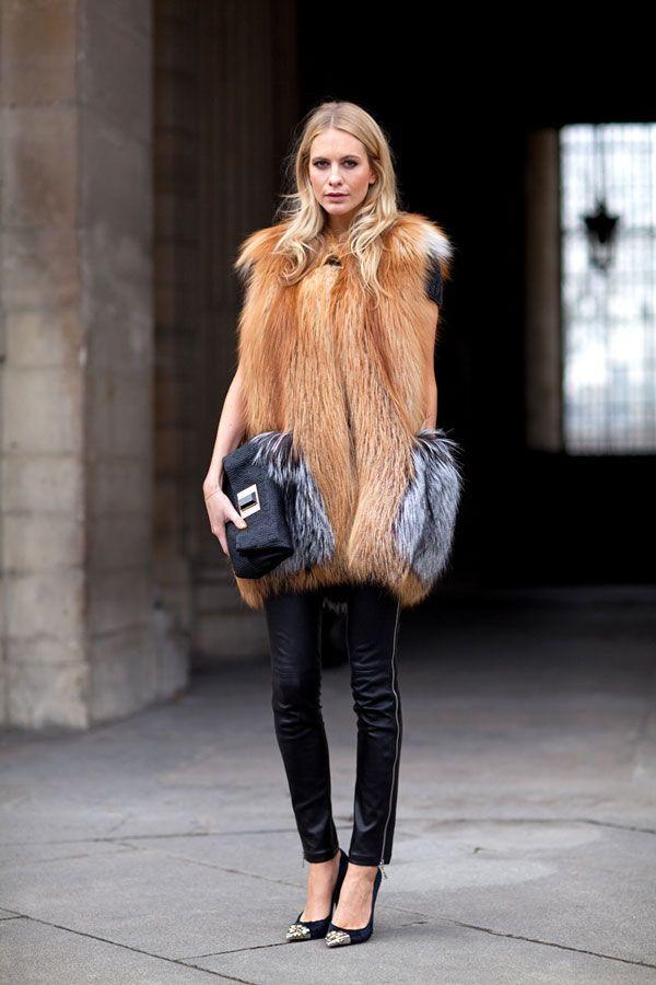 ::statement fur::: Street Fashion, Paris Fashion, Black Skinny, Fashion Shoes, Poppies Delevingne, Street Style, Fashion Week, Girls Fashion, Fur Vest