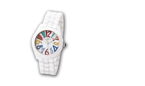 Reloj de cerámica con números en colores para este verano. Cristian Lay www.cristianlay.com