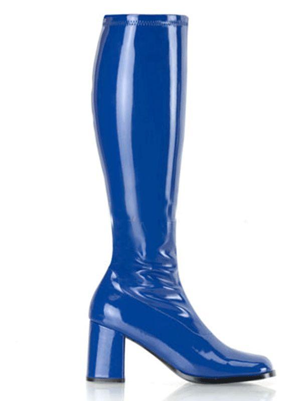 Glimmende blauwe laarzen met een blokhak voor dames. De hak heeft een hoogte van ongeveer 7,5 cm en de laarzen hebben een rits aan de binnenzijde van de kuit.