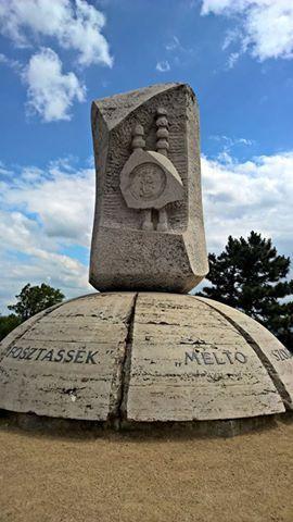 Foto: László Pleszinger. Aranybulla emlékmű - Székesfehérvár. Hungary