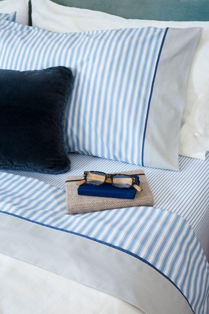MARLO. Una línea para subrayar: Tejidas en 180 hilos de puro algodón, las sábanas de arriba tienen un vivo de color que contrasta con los motivos delicados de la tela, componiendo un dibujo sin estridencias.