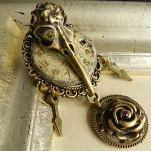 Image of Steampunk Bird Skull Clockwork Brooch