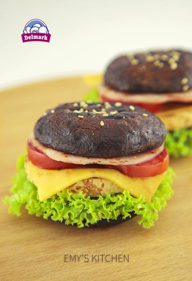 Astăzi vă propunem o rețetă mai deosebită, burgeri cu ciuperci Portobello! Rețeta o vedeți aici: 👉👉👉 http://delmark.md/recete/burgeri-cu-ciuperci-portobello/ Ciupercile Portobello sunt ușor de găsit în vânzare. #Delmark #Ciuperci #Musrooms #ReceteDelmark #Burger