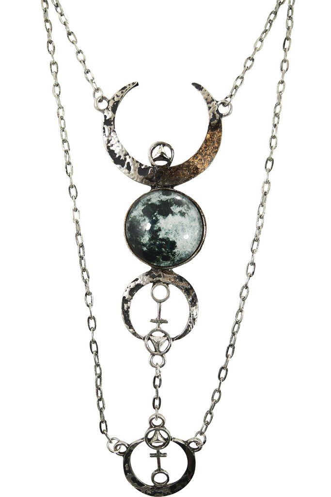 Restyle Gothic Beauty Dark Magic Witchcraft Wolf Luna Full Moon Pendant Necklace
