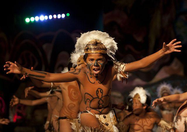 Dances During Tapati Festival In Hanga Roa, Easter Island, Chile | Flickr: Intercambio de fotos