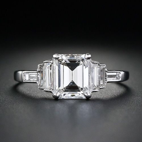 """lang antiques emerald cut art deco ring 11lk"" Similar to two pics ago, but with the smaller side diamonds. So stunning."