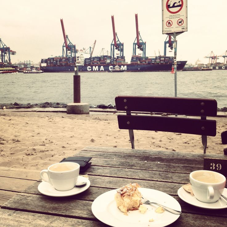 Strandperle an der Elbe.