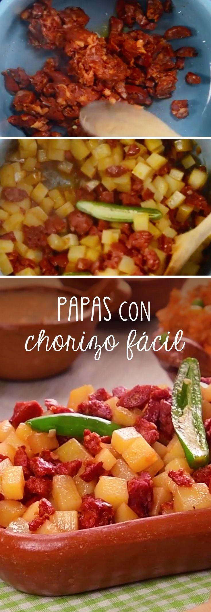 Las papas con chorizo son una típica comida mexicana, perteneciente a las categorías de comidas rápidas y comida fácil en México. Las papas con chorizo son deliciosas y baratas para ofrecerlas en una taquiza o fiesta mexicana.
