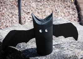 BAT! halloween crafts with toilet paper tubes