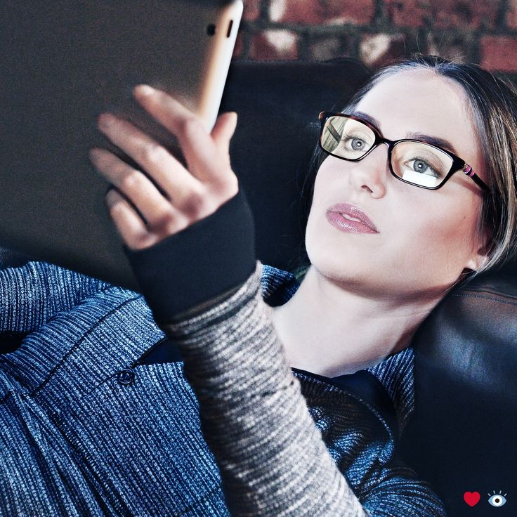 Are you having trouble sleeping at night? The blue light from your smart device could be affecting your slumber. Help protect your eyes from blue light with the new LensCrafters Featherwates Blue IQ lenses.