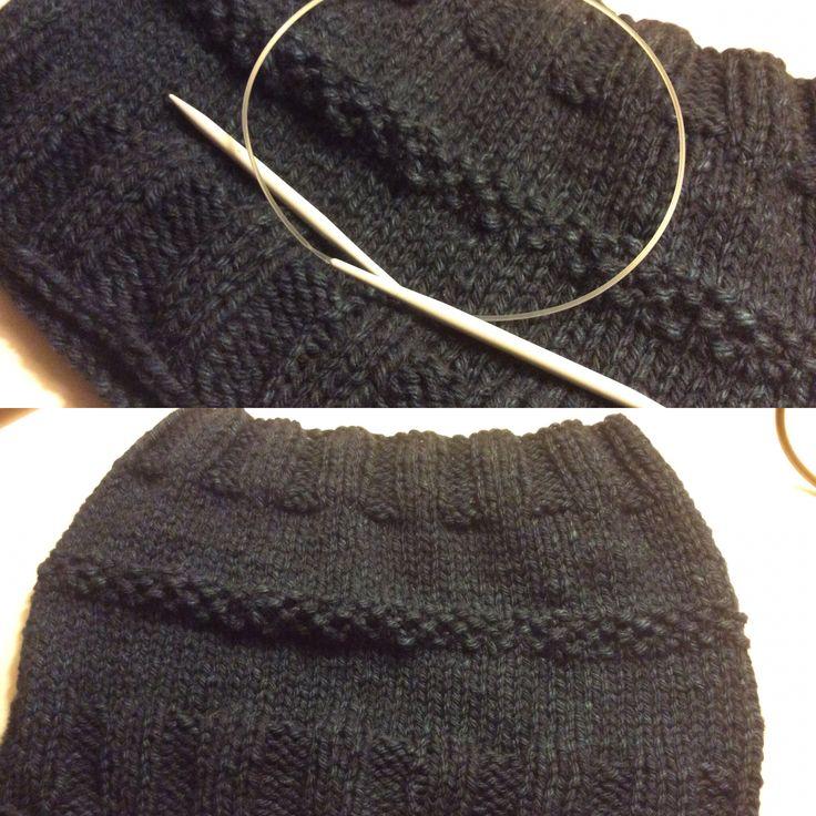 Collo o mantellina ?pura lana vergine realizzato con ferri circolari