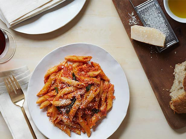 Recipe of the Day: Rachael's Vodka Cream Pasta They say the key to one's heart is through their stomach, and Rachael's 25-minute recipe is delicious proof. Toss penne in a luxurious pink-hued vodka sauce, filled with fresh basil, crushed tomatoes and cream. Adding a whole cup of vodka heightens the flavor of the tomatoes for the best sauce ever.