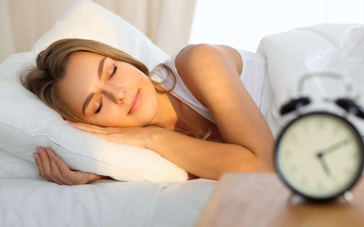 Un cycle de sommeil s'étale sur environ 90 minutes, alternant trois types de phases : le «sommeil léger», le «sommeil profond» (ou «lent profond») et le «sommeil paradoxal», ce dernier...