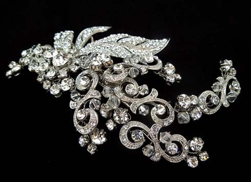 Gorgeous vintage style bridal headpiece from Brides Unlimited