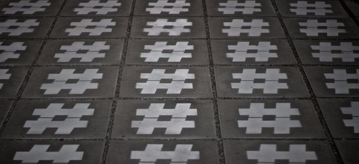 The Do's and Don'ts of How to Use Hashtags—Do you know how to use hashtags? How about how not to use hashtags? This blog posts is a must read for anyone wanting to know how to use hashtags; Details>
