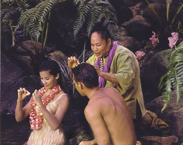 South Pacific, 1958, saw a 19 year old beauty, France Nuyen, come to fame. Here, she does the actions while her screen mother, Bloody Mary, sings Happy Talk.