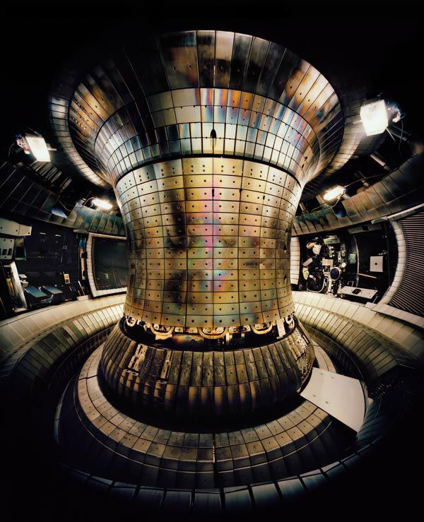 Thomas Struth, Tokamak Asdex Upgrade Interior 1, Max Planck IPP Garching 2010