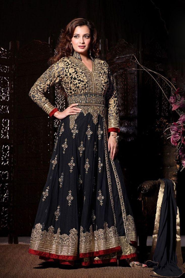 Fabuleuse Robe indienne Noire magnifiquement brodée