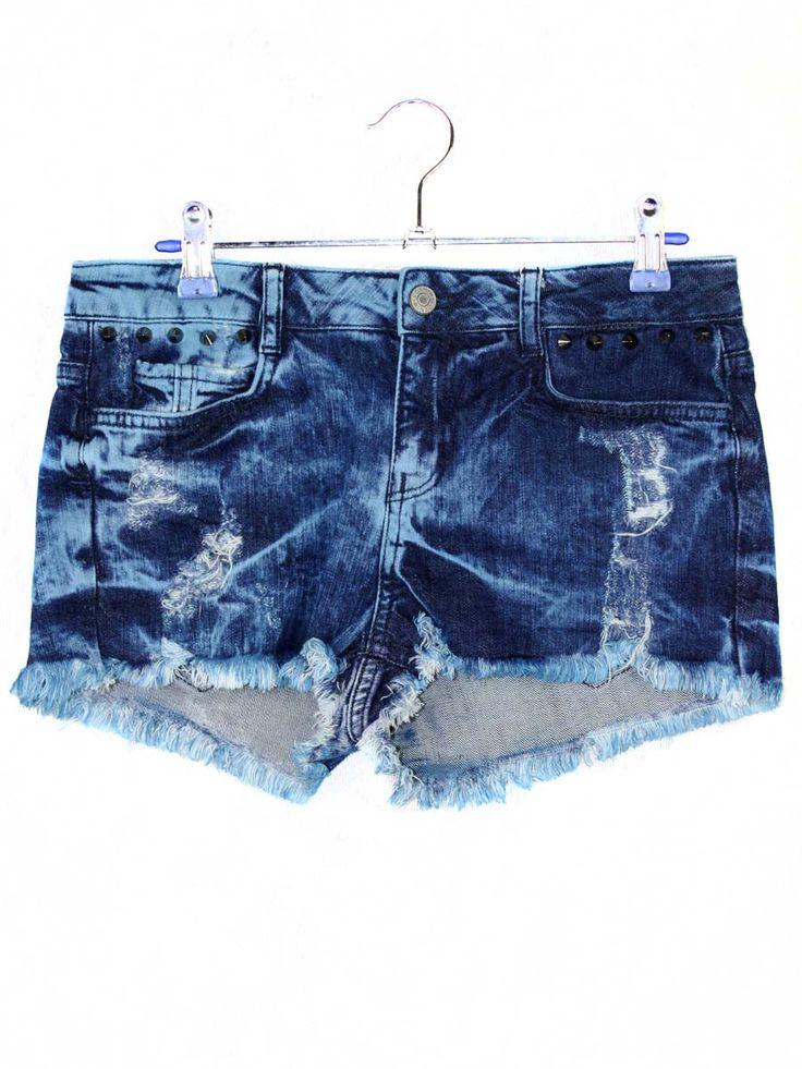Donkere Denim Shorts € 19,95 https://www.justyourstyle.nl/donkere-denim-shorts