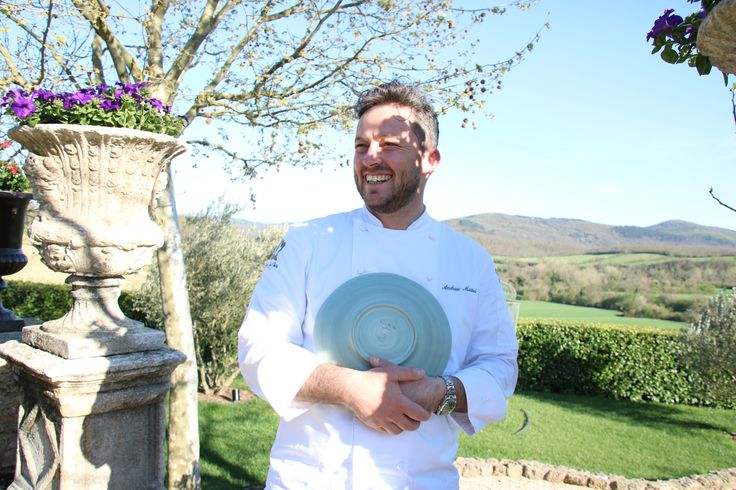 Meo Modo draws inspiration for its dishes from the surrounding landscape, not only for the ingredients used but also the dishes' aesthetics. Read more only on the Borgo Times out May 4th.