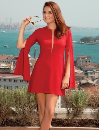 """CEYDA DÜVENCİ 5 EYLÜL 2013 Twitter'daki yorumlara üzüldüm  Ceyda Düvenci, bu sezon Kanal D'nin ilgiyle izlenen sağlık programı """"Doktorum""""un sunuculuğunu üstlendi. """"Umutsuz Ev Kadınları"""" dizisine de devam eden ünlü oyuncu, projelerini ve son dönemde yaşadığı değişimi İstanbul Life dergisine anlattı."""