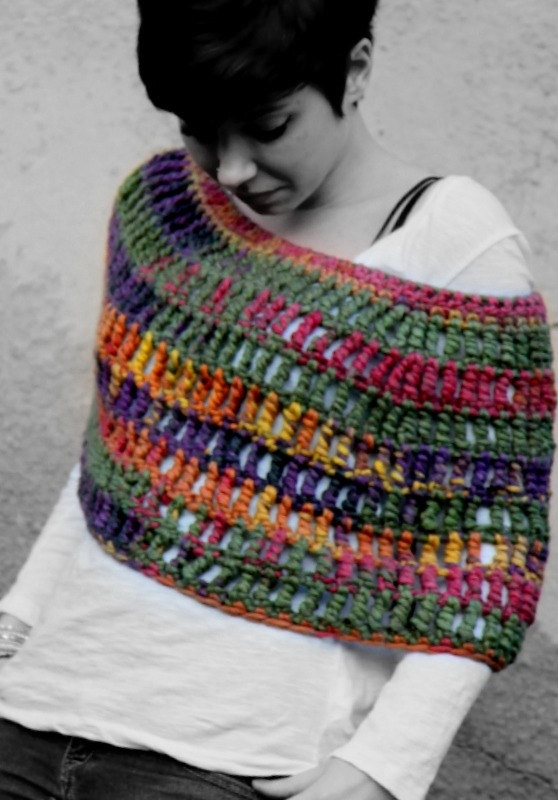 Crochet Capelet super chunky capelet crochet by RubyLovesFlamingos, £40.23