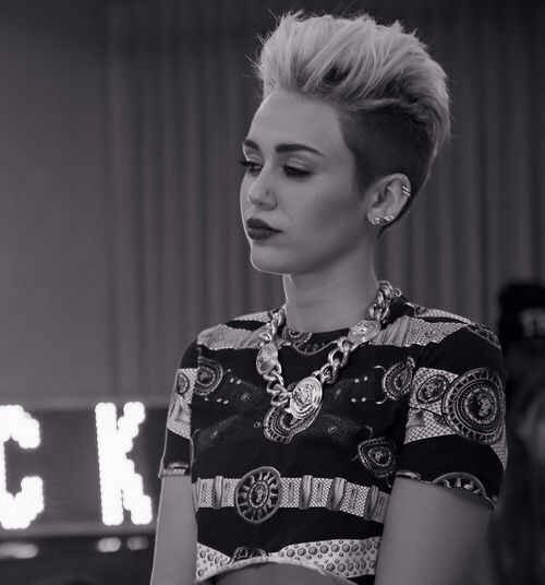 Miley Cyrus - Wrecking Ball (from Bangerz) #mileycyrus # ...