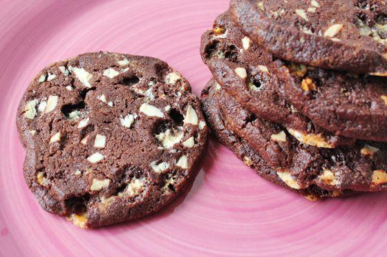 Cookies med hvid chokolade og skumfiduser - Madsymfonien