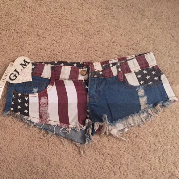 American Flag Short Shorts Super sexy , SMALL, American flag shorts. Bought them online for 4th of July but they're too small. Brand new with tags never worn! Shorts Jean Shorts