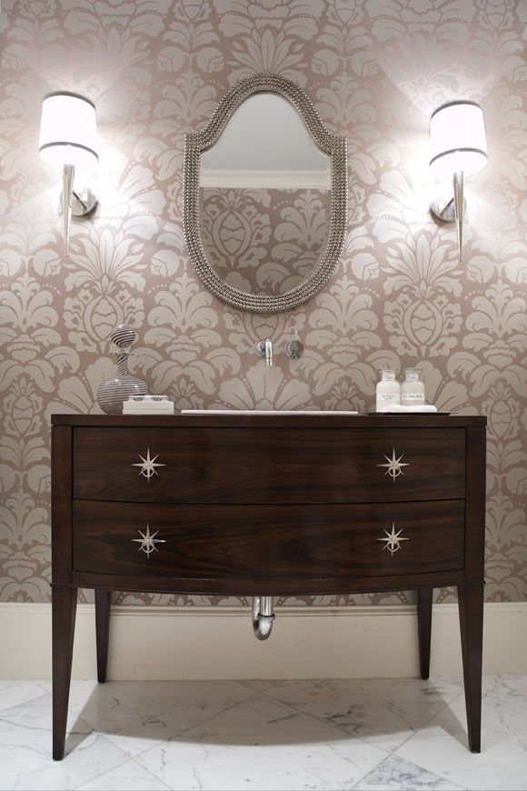 Charming Relaxed Luxury. Bathroom ...