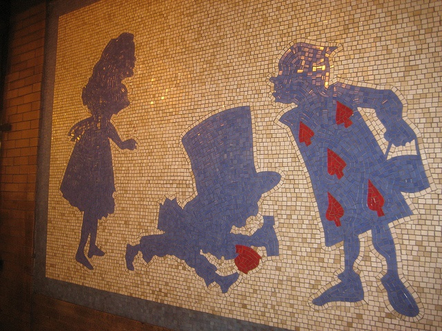 17 best images about alice mosaic on pinterest gardens for Alice in wonderland mural