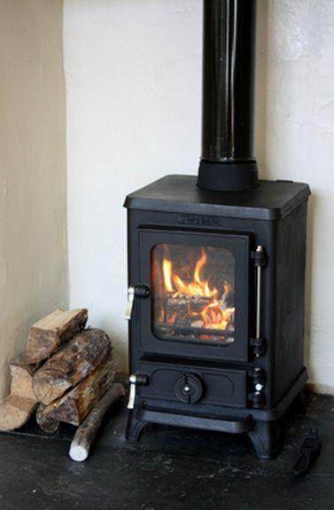 wood burning stoves | Hobbit Small Wood Burning Stove Bell                                                                                                                                                                                 Más