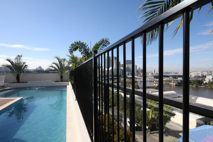 Brisbane City YHA rooftop pool