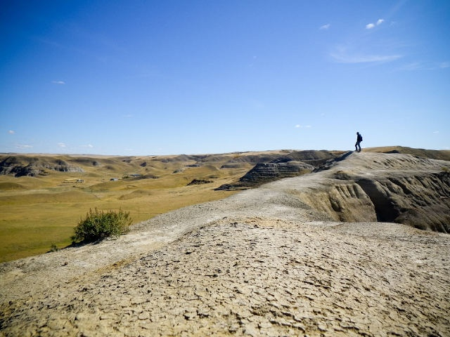 Hiking - Castle Butte in the Big Muddy Badlands of #Saskatchewan. Follow Corbin's adventures on his blog http://ibackpackcanada.com/.