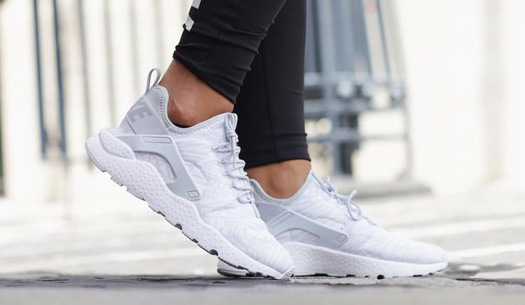 Nike Air Huarache Run Ultra - Women's
