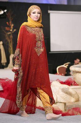 Lastest Omani Clothing Omani Women Have Distinctive Colorful National Dresses