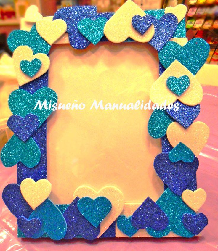 """Taller infantil: """"decoramos un marco de fotos con figuras de goma EVA"""".  www.misuenyo.com / www.misuenyo.es"""