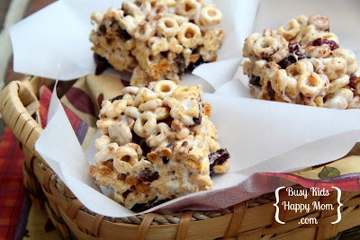 Busy Kids = Happy Mom: Cheerio-Cranberry-Chocolate Bars
