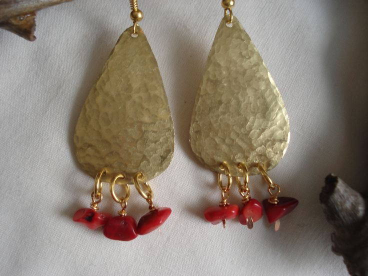 Handmade and hammered brass earrings with coral beads