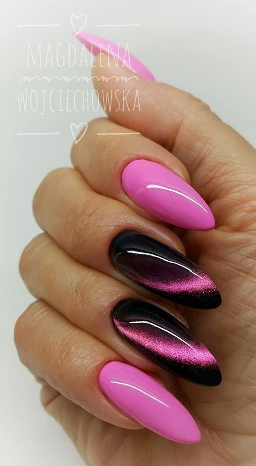 Schwarz mit einem Hauch von rosa Glitzer. – Fingernägel