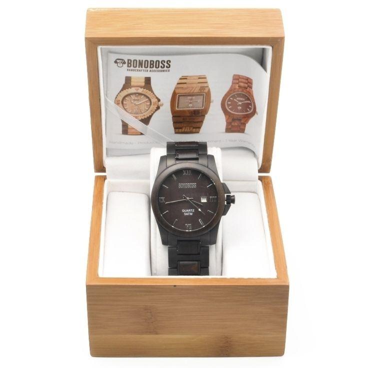Reloj de madera de Sándalo natural y acero inoxidable, resiste 50 metros de profundidad, Lickan Antai fabricado con movimiento Japonés de cuarzo Citizen garantizado por un año, dial de 43mm, incluye garantía y empaque de madera de regalo, encuéntralo en www.bonoboss.cl y en nuestras tiendas de Santiago y Maitencillo!.   #Bonoboss #lentes #sunglasses #chile #design #handmade #wood #wooden #madera #hechoamano