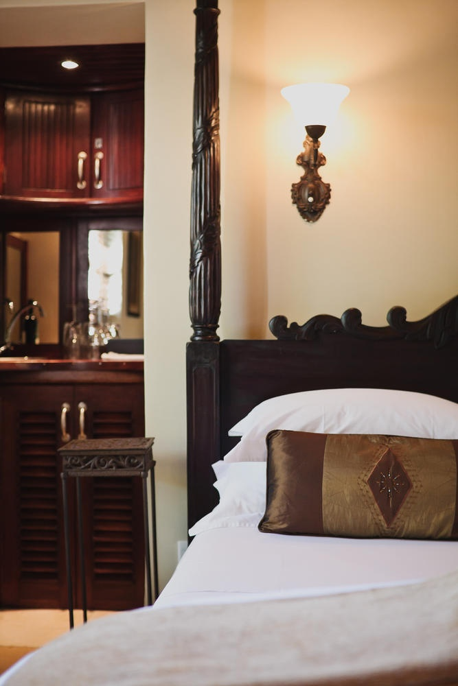Fabiana Traditional Poster Canopy Leather Bedroom Set W: 30 Best Images About Beautiful Four Poster Beds On